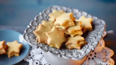 Pistachio Star with Lemon Curd Filling