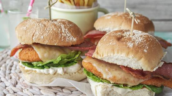 Chicken Fillet Burgers with Crispy Glensallagh Smoked Bacon, Rathdaragh Cheese, Mustard Mayo