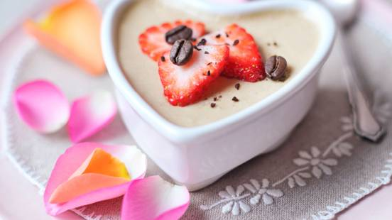 Mousse au café with strawberries