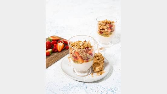 Granola And Fruit Breakfast Pots