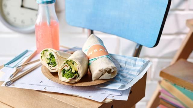 Wraps with fried zucchini and cashew cream