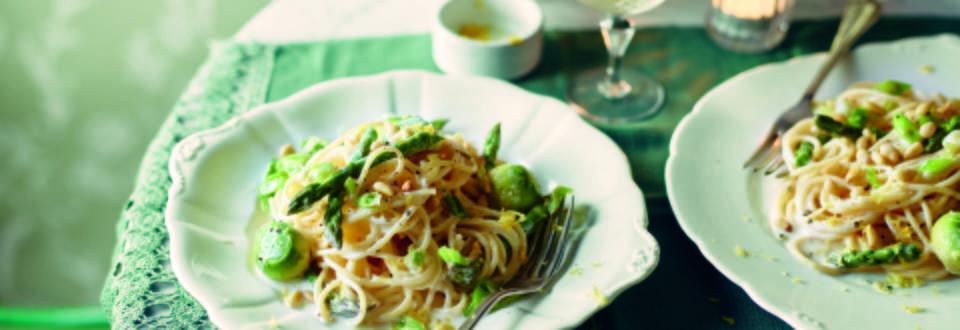 Spaghetti and Green Asparagus in Lemon Sauce