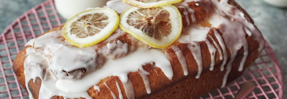 Lemon and yoghurt drizzle cake